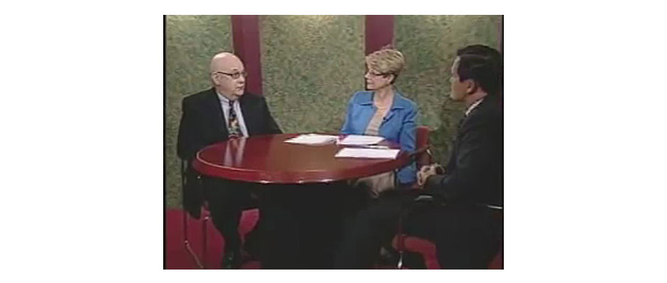 "Steve Lubetkin, left, discusses the importance of creating online video and audio content, with Patricia T. Dunn of Merrill Lynch and Dave Ebner of Merrill Lynch, during the taping of ""Money Matters TV"" program."