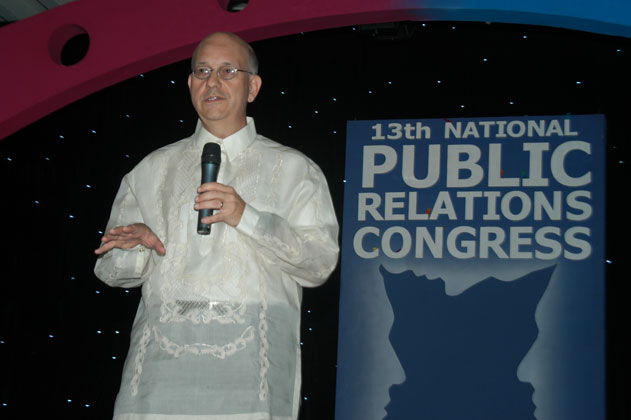 Steve speaking at the 13th National Public Relations Congress in Manila, The Philippines, during Typhoon Milenyo, 2006.